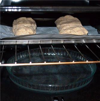 Wie backt man sein eigenes Brot im Ofen