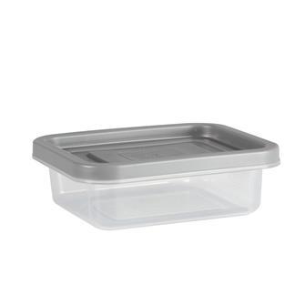 Kunststoffbecher für Joghurt im Dörrgerät